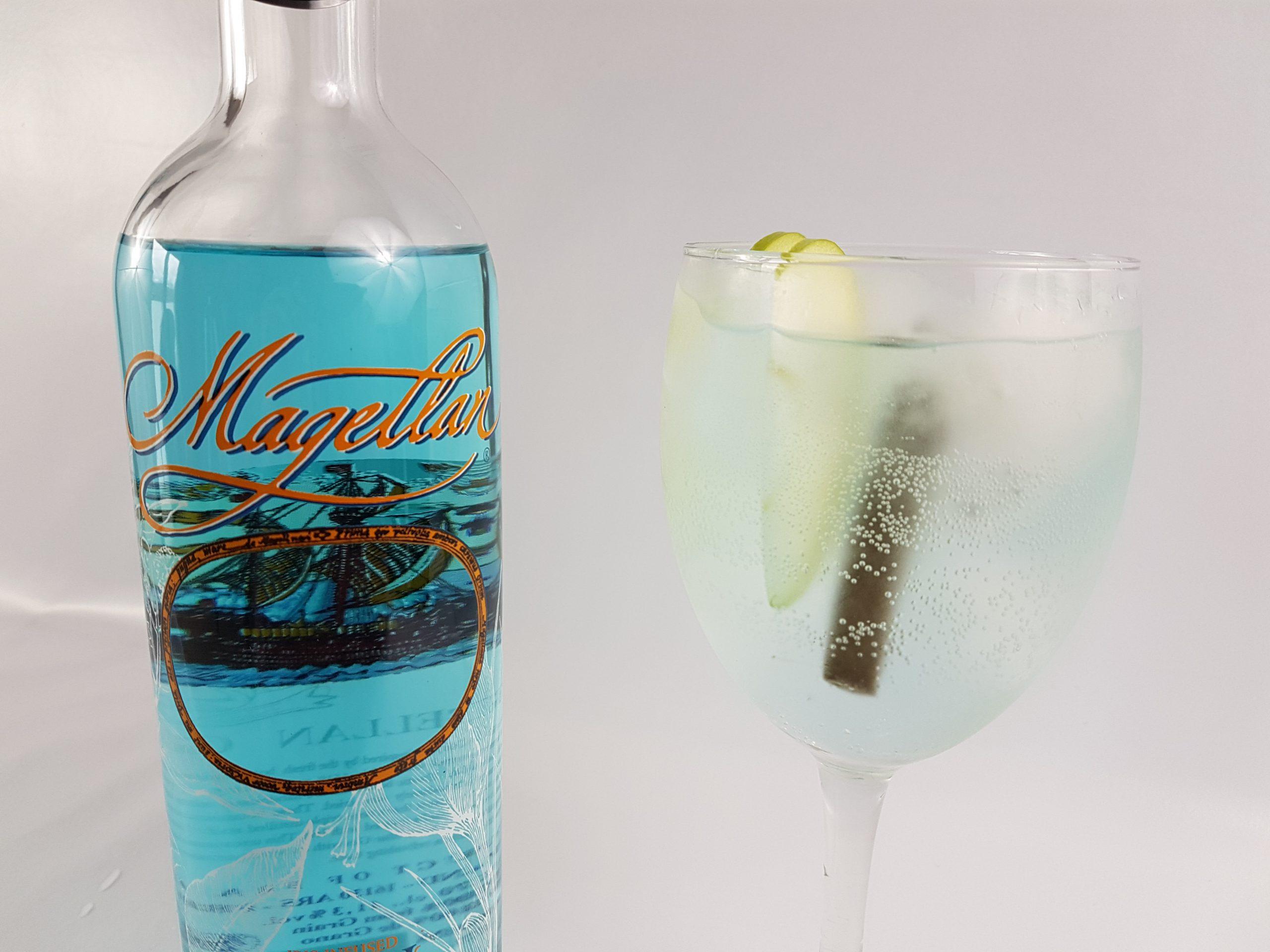 Gin tonic de Magellan con manzana verde y regaliz